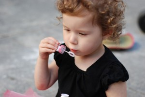 Five Playful Ways to Expand Your Toddler's Vocabulary While Outdoors